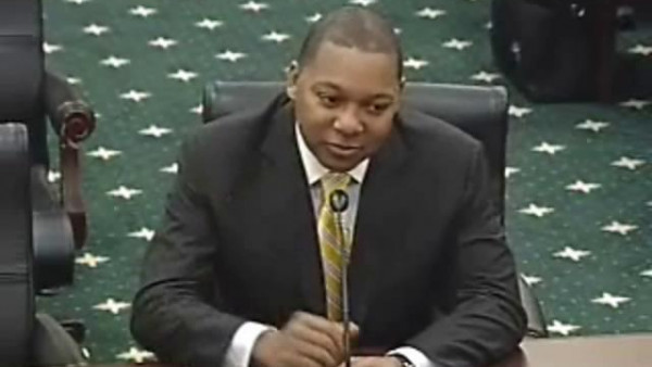 Wynton Marsalis speaks before Congress