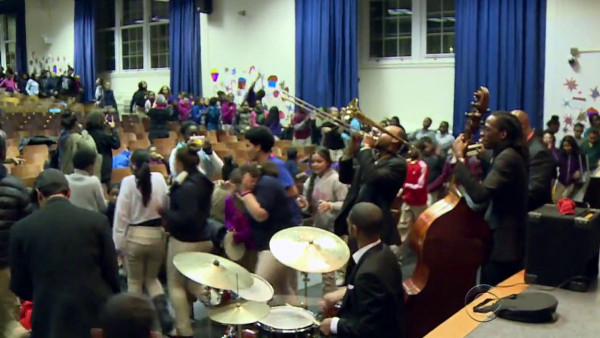 Master goes on mission to get students hooked on music - CBS Evening News