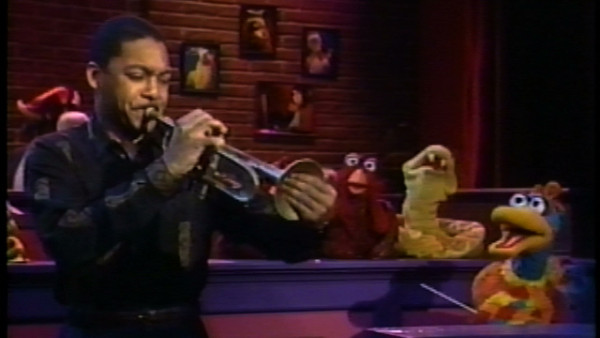 Classic Sesame Street: Hoots welcomes Wynton, Duck Ellington and Count von Count at Birdland