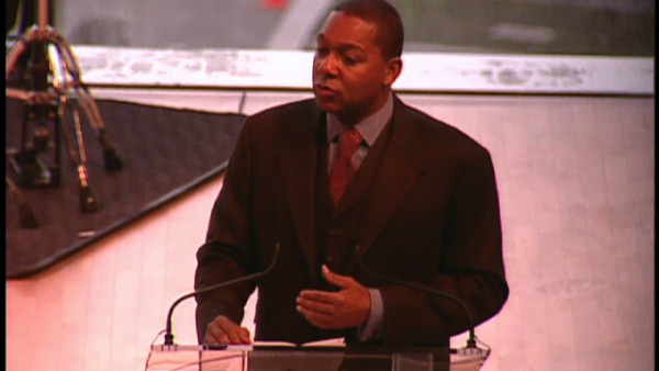 Wynton speaking at 2005 International Achievement Summit