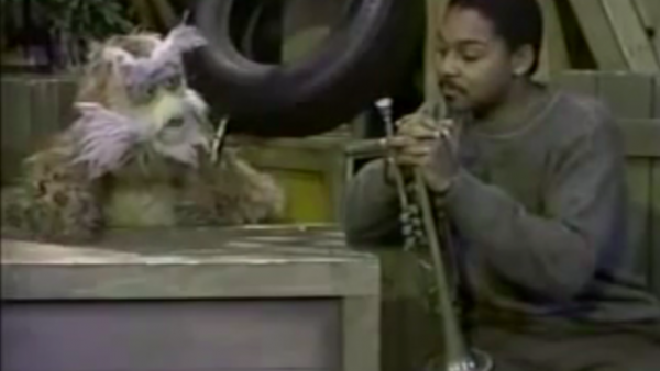 Classic Sesame Street: Hoots the Owl and Wynton Marsalis on notes