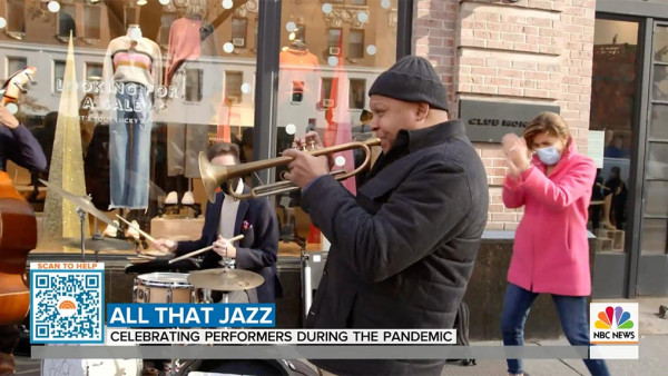 Wynton Marsalis surprises jazz musician doing pop-up concerts in New York - NBC Today Show