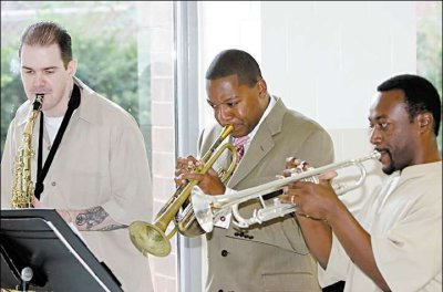 Wynton Marsalis playing at New Jersey State Prison in Trenton